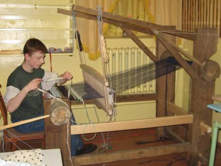 Ткацкий станок своими руками для изготовления деревенских половиков 987